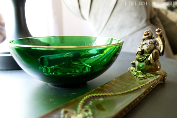 Tend to leave items you have in your pockets in random places around the house? Try placing an attractive bowl where you tend to leave things most! | The Happy Home Therapist